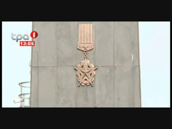 """11 de Novembro """"Deposição de coroa de flores na Praça da Independência"""""""